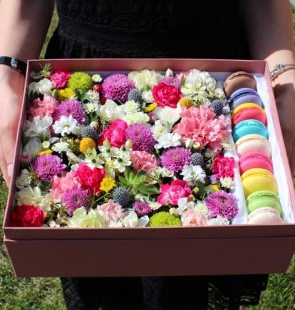 """Gėlių dėžutė su """"Macarons"""""""