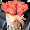 """Rožių dėžutė su macaroons sausainiukais - """"Mirinda"""" 0"""