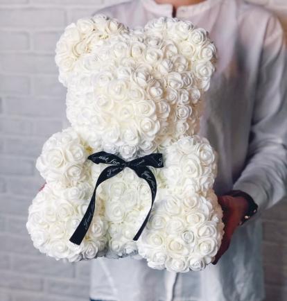 Meškiukas iš rožių                40cm  Baltas