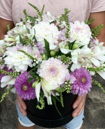 Pavasarinė gėlių dėžutė  35€/45€/55€