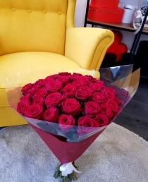 """Puokštė rožių """"Tėja"""" 39vnt  60cm"""