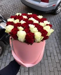"""Rožių dėžutė """"Adelė"""" 45€/49€/59€"""