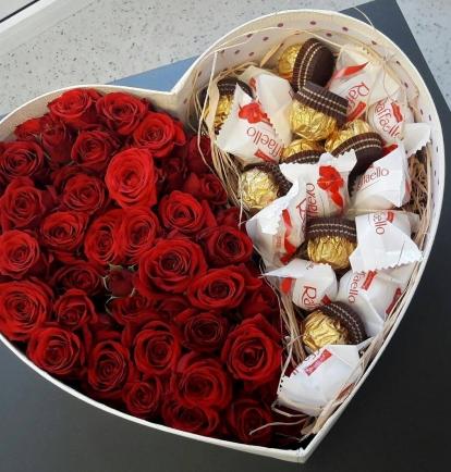 """Rožių dėžutė """"Cherry"""" 39€/45€/55€"""