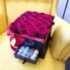 """Rožių dėžutė su macaroons sausainiukais """"Katrina"""" 0"""