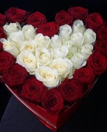 """Rožių dėžutė """"Marianna"""" 39€/51€/70€"""