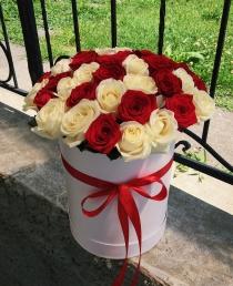 """Rožių dėžutė """"Nelly"""" 45€/49€/59€"""