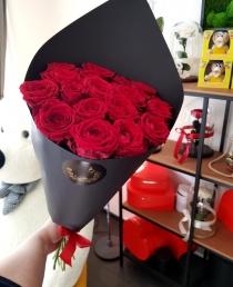 """Rožių puokštė """"Elein"""" (19vnt)"""