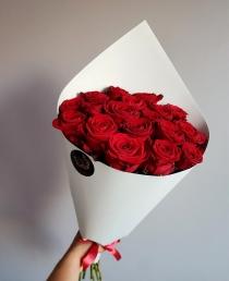 """Rožių puokštė """"Giuliana""""  (19vnt)"""