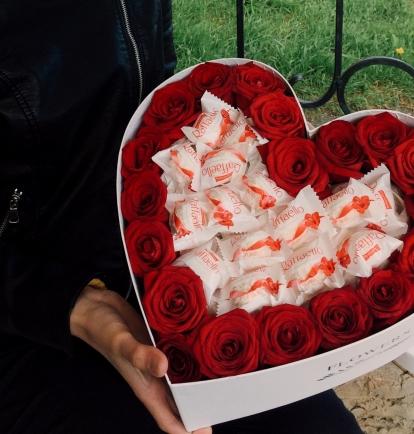 """Rožių širdelė """"Rikke"""" 39€/45€/55€"""